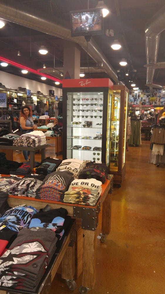 Tillys - Accessories - 6157 Sunrise Mall, Citrus Heights ...