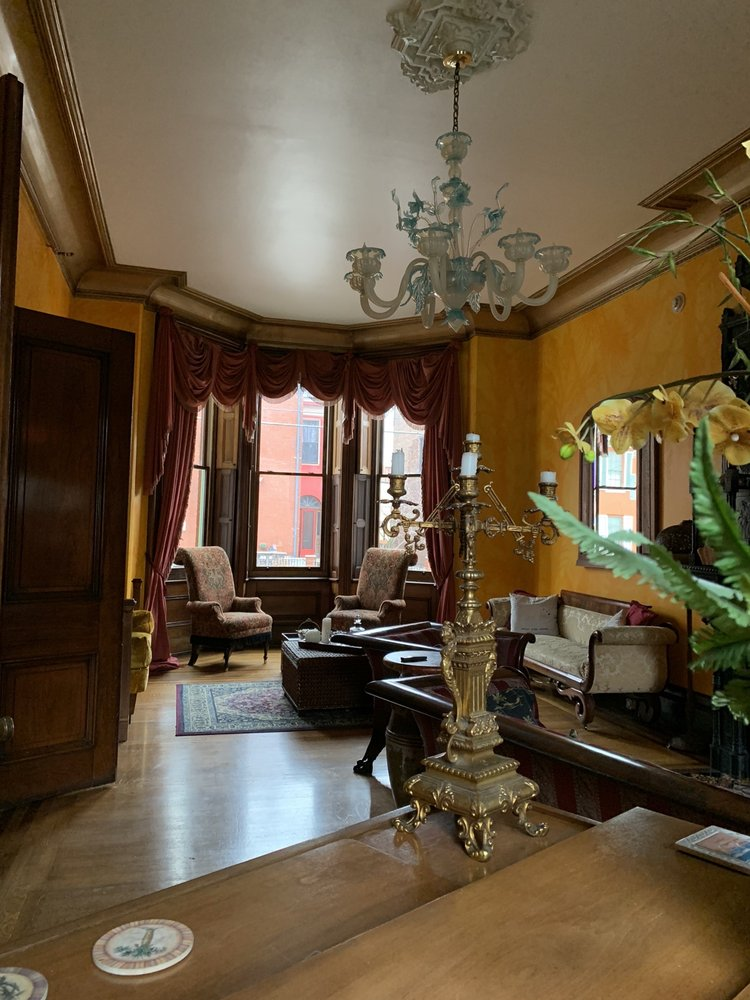 The Parador Inn: 939 Western Ave, Pittsburgh, PA
