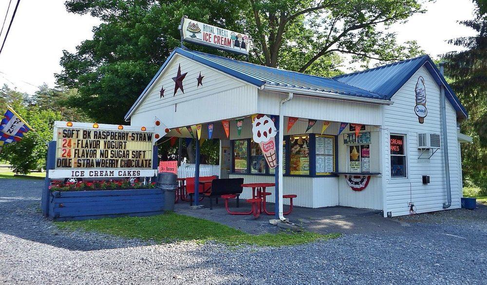 The Royal Treat: 4371 Main St, Millport, NY