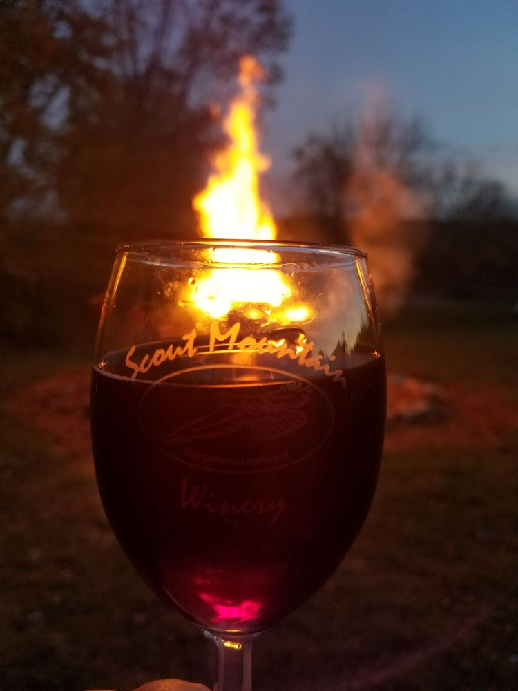 Scout Mountain Winery: 2145 Scout Mountain Rd NW, Corydon, IN