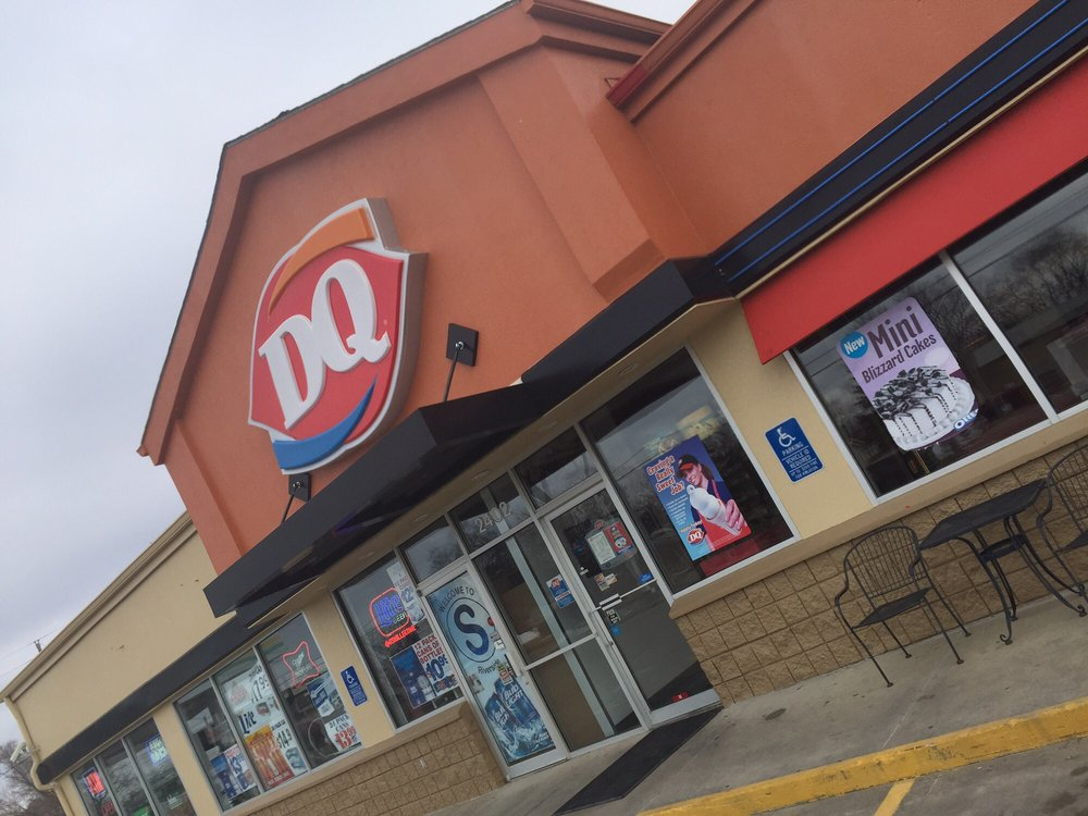 Dairy Queen: 2402 Riverside Blvd, Sioux City, IA