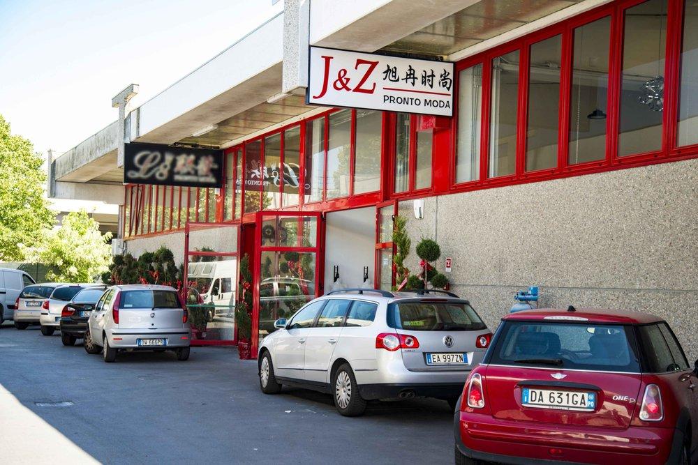 save off 8a49f ce813 J&Z Pronto Moda - Wholesale Stores - Via del Molinuzzo 71 ...