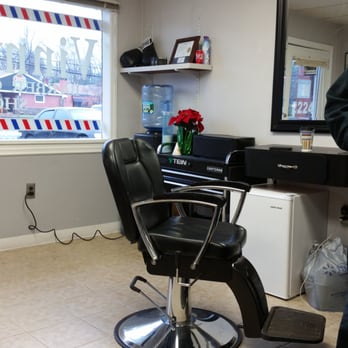 vinny s barber shop 30 photos 11 reviews barbers 2224 silas deane hwy rocky hill ct. Black Bedroom Furniture Sets. Home Design Ideas