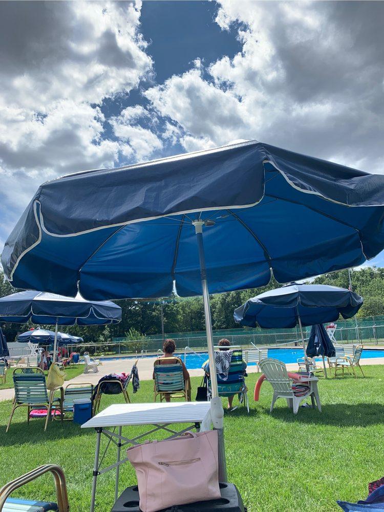 Rochelle Park Swim Club: 1 Lotz Ln, Rochelle Park, NJ