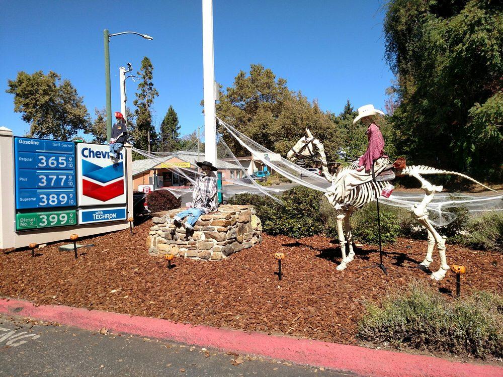 Georgetown Gas & Go: 6341 Hwy 193, Georgetown, CA