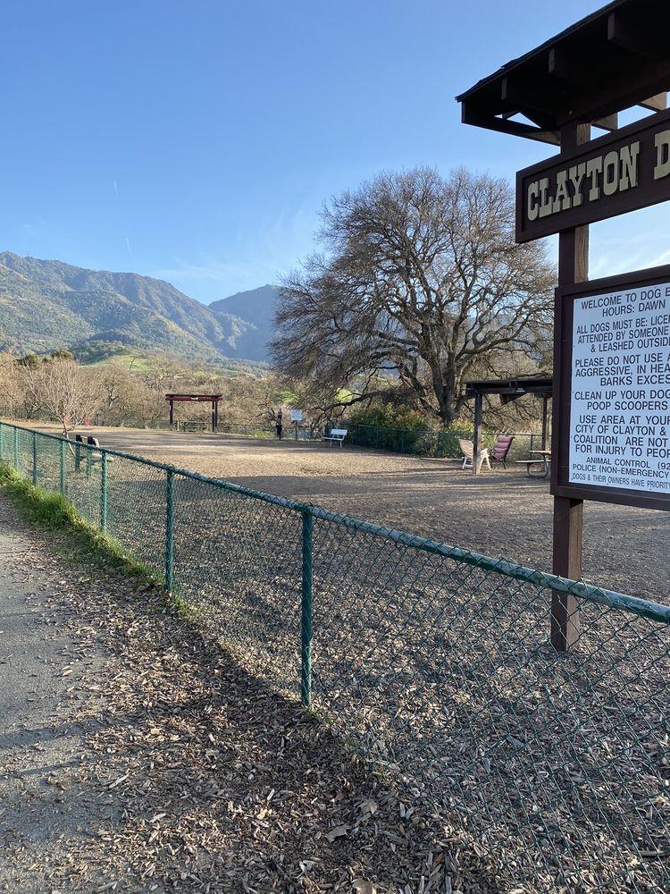 Clayton Dog Park: 7411 Marsh Creek Rd, Clayton, CA