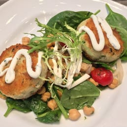 di New American Cafe - Boston, MA, Stati Uniti. New England Cod Cakes ...