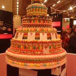 Paris Expo - Paris, France. Un gâteau au niveau Tendance confiserie.