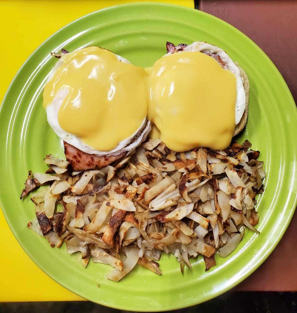 Monica's Buttermilk Kitchen: 404 E Main Ave, Chewelah, WA