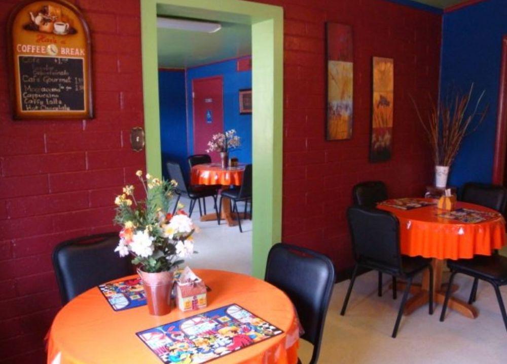 La Castellana Cafe: 71 East La Castellana Dr, Nogales, AZ
