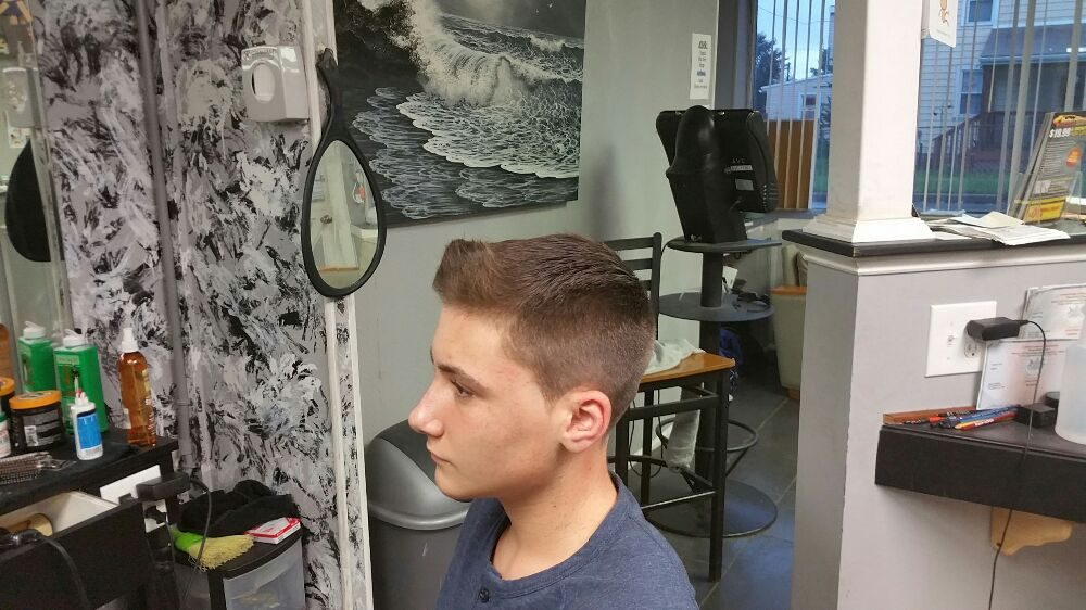 Do You Know A Barber: 517 Welcome Ave, Norwood, PA