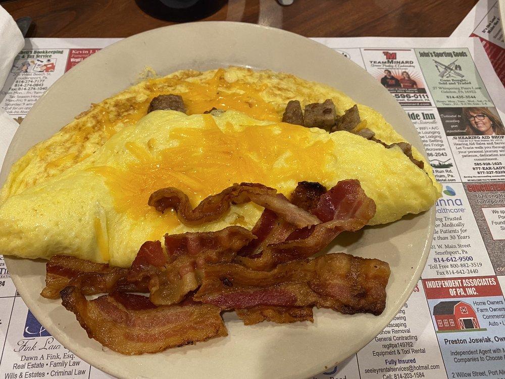 Kaytee's Family Restaurant & Marketplace: 251 Us-6, Coudersport, PA