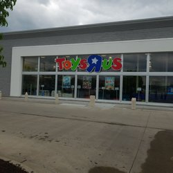 toys r us closed toy stores 8330 n broadway st kansas city mo phone number yelp. Black Bedroom Furniture Sets. Home Design Ideas