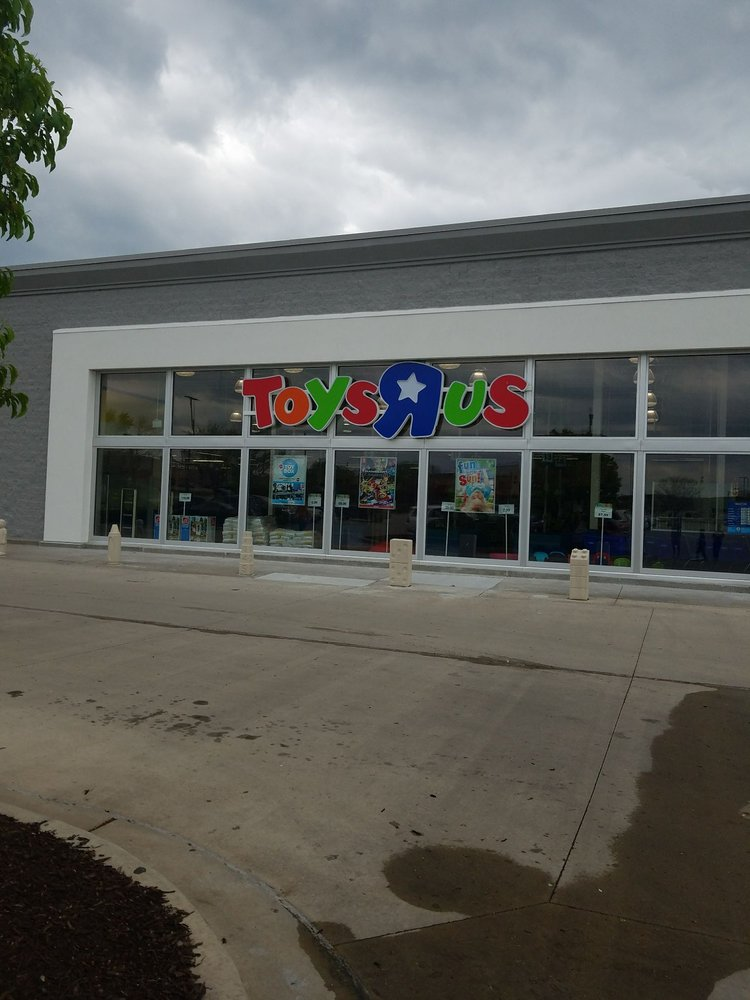 toys r us toy stores 8330 n broadway st kansas city mo phone number yelp. Black Bedroom Furniture Sets. Home Design Ideas