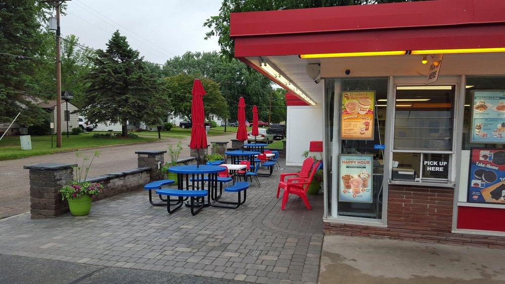 Dairy Queen: 100 Main St, Starbuck, MN