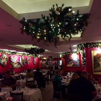 photo of pellegrinos italian restaurant new york ny united states christmas decorations - Restaurant Christmas Decorations