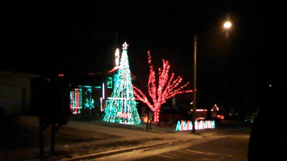 Kiblers Dazzling Lights: 204 Robert Dr, Normal, IL