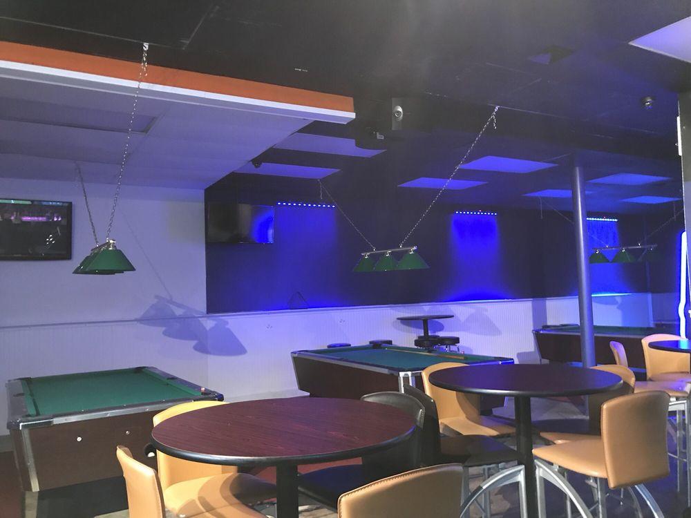 MoonLight Sports Bar & Restaurant: 8035 Snouffer School, Gaithersburg, MD