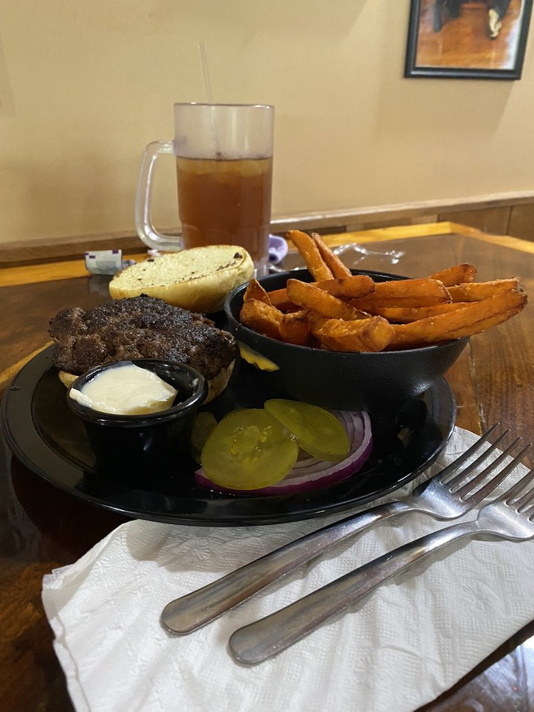 Boondocks BBQ & Grill: 4651 N State Rt 60 NW, McConnelsville, OH