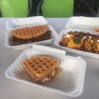 Ooblies Waffle Food Truck 104 Photos 115 Reviews Food Trucks