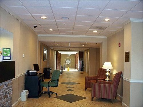 Holiday Inn Express & Suites Manchester: 111 Hospitality Blvd, Manchester, TN