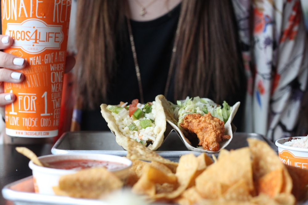 Tacos 4 Life: 3113 E Race Ave, Searcy, AR