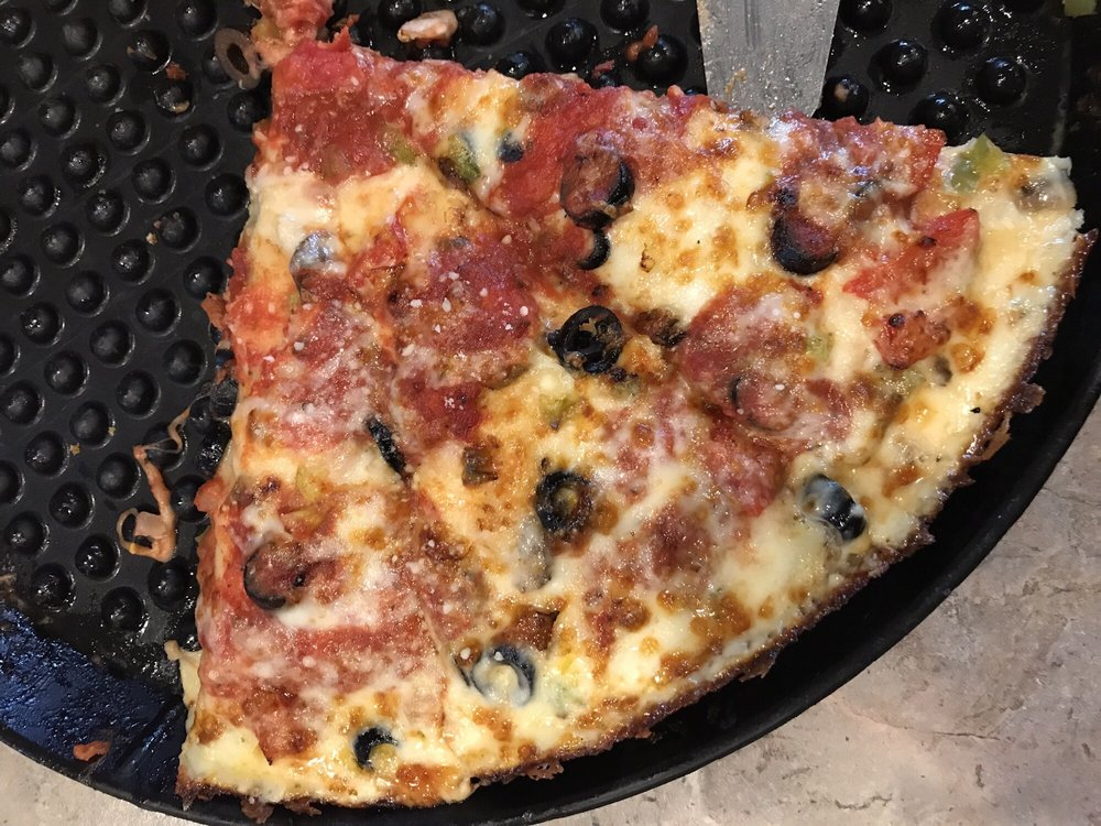 Chicago's Pizza: 2 N State Rd 135, Bargersville, IN