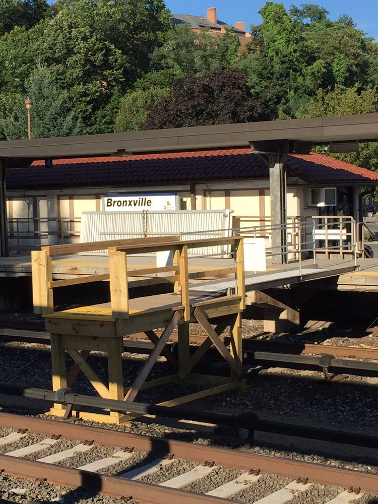 MTA Metro North Station - Bronxville: 113 Kraft Ave, Bronxville, NY