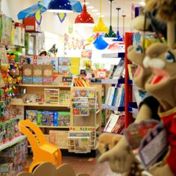 Castle Toys And Games 77 Photos Toy Stores 12033 Perry Hwy