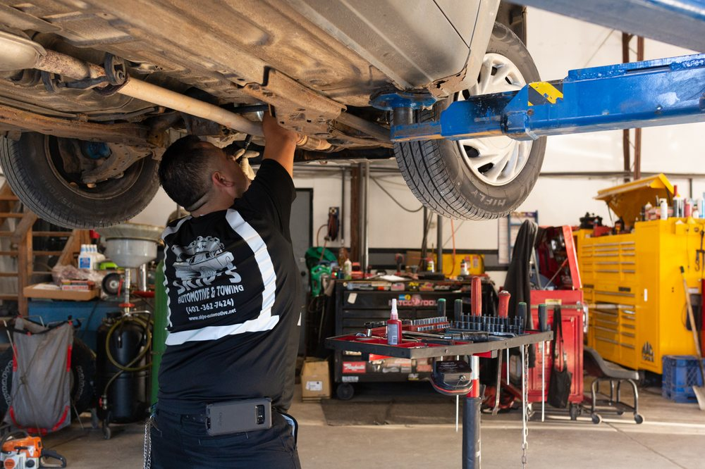 Skip's Automotive & Towing: 711 S Lincoln Ave, York, NE
