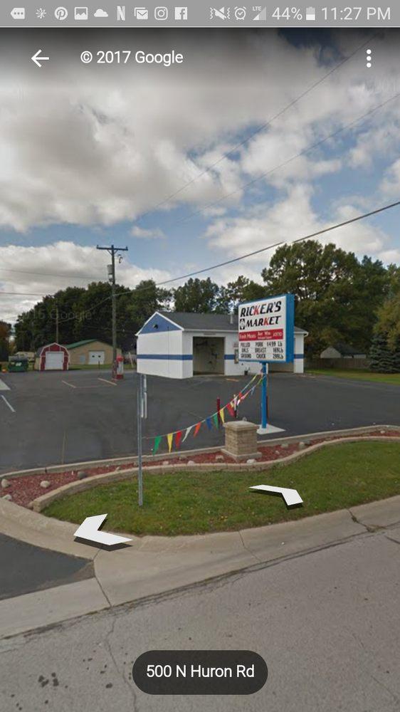 Ricker's M-13 Market: 503 N Huron Rd, Linwood, MI