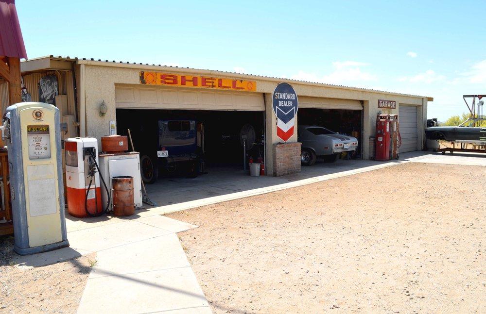 Brandys Auto Body: 41424 N Grand Ave, Morristown, AZ