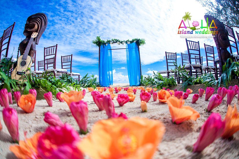 Brilliant Hawaii Beach Wedding With Sky Blue Ambrosia With Dark Wood Download Free Architecture Designs Sospemadebymaigaardcom