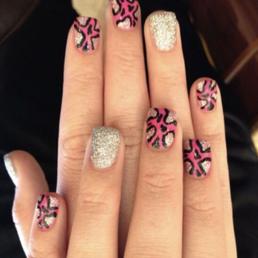 Euphoria nail spa 66 foto e 32 recensioni manicure for Euphoria nail salon