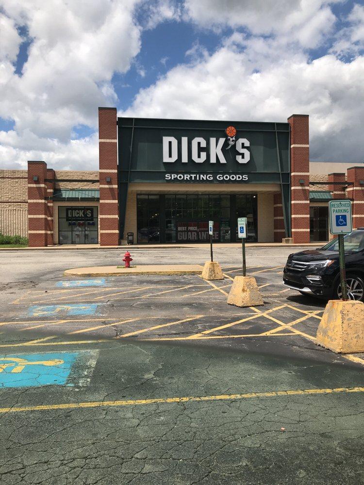 DICK'S Sporting Goods: 3075 Clairton Rd, West Mifflin, PA