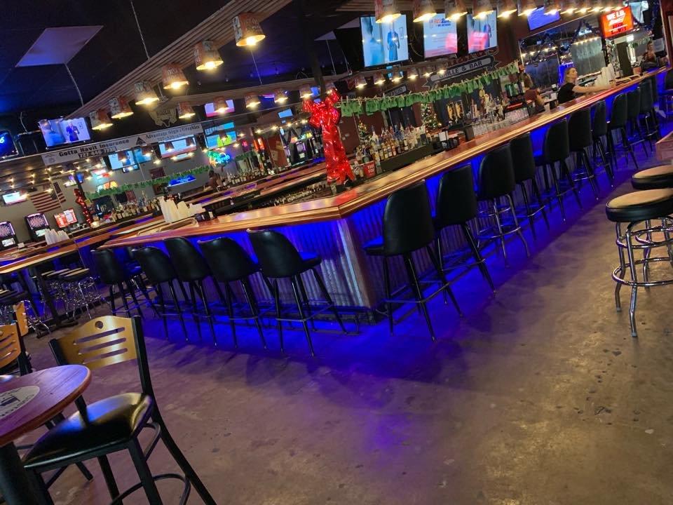 Richard's Grille & Bar: 7570 Starkey Rd, Seminole, FL