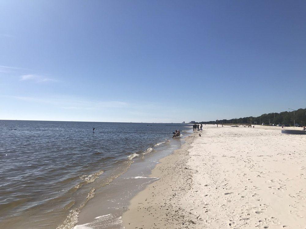 Biloxi Beach: 2200 Beach Blvd, Biloxi, MS