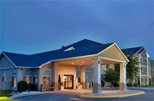 Holiday Inn Express & Suites Beatrice: 4005 N 6th St, Beatrice, NE