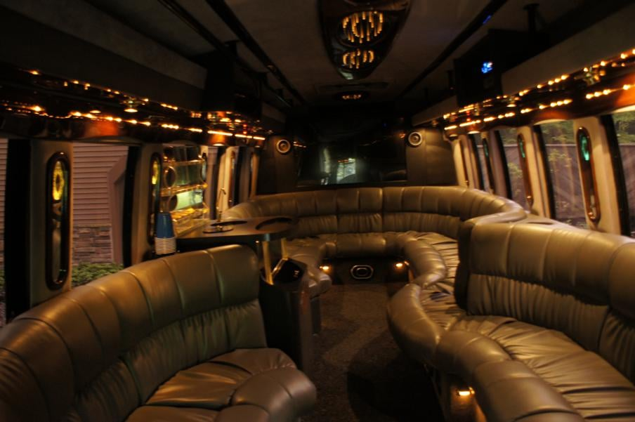 Nothern Lights Limousine: 8556 Appaloosa Trl, Kirtland, OH