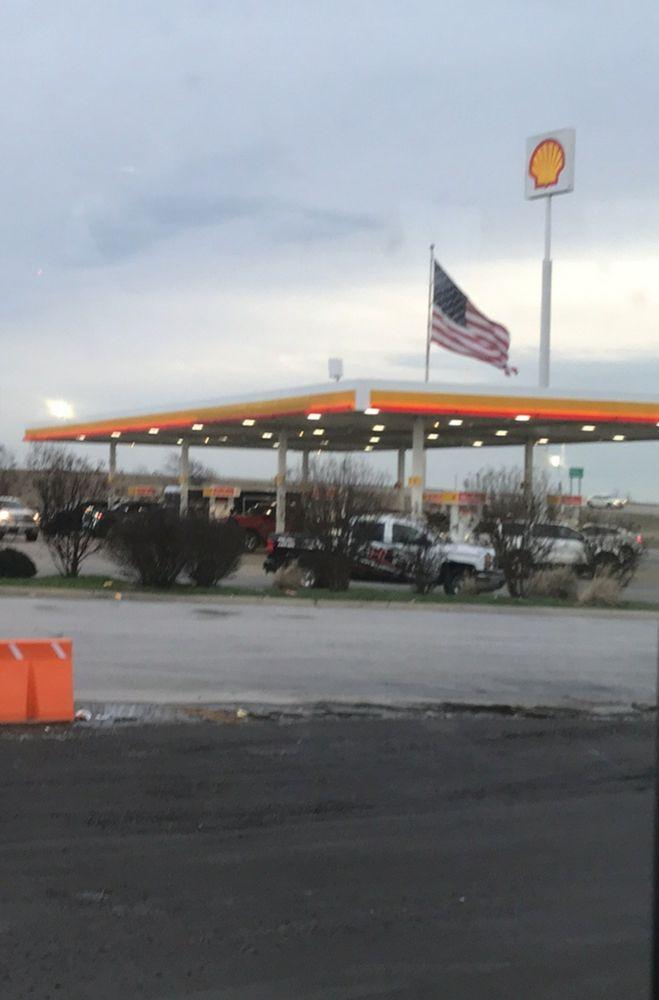 Car-Mac's Mini-Mart & Tobacco: 85 State Hwy O, Steele, MO