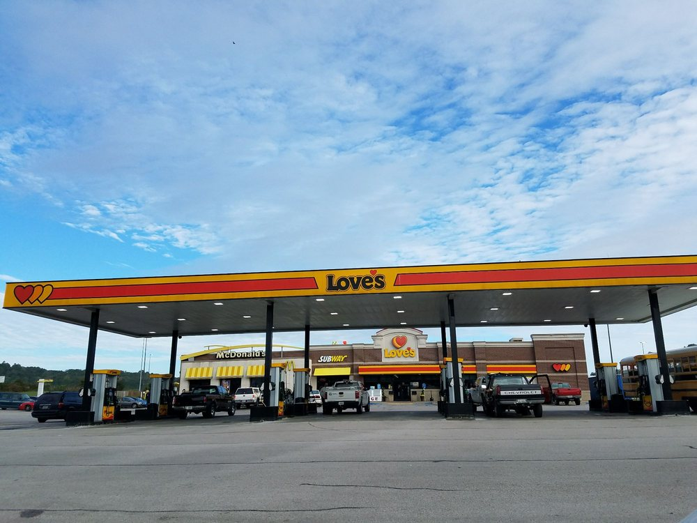 Love's Travel Stop: 4000 L And N Turnpike Rd, Horse Cave, KY