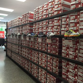 new balance warehouse deals
