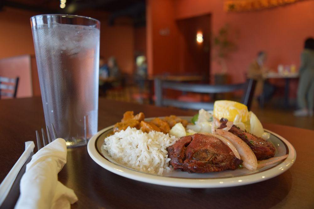 Mehmaan Indian Cuisine: 7130 N Mesa St, El Paso, TX