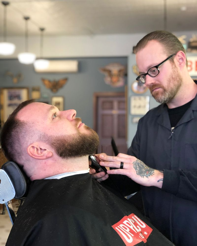 Everett's Barbershop: 230 N Broadway, Fargo, ND