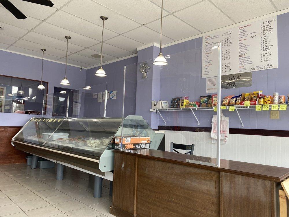 La Seafood Market: 4014 Glenwood Rd, Decatur, GA