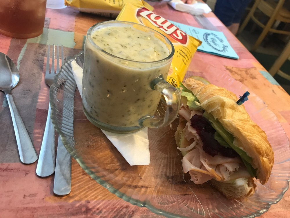 Mallie Kylas Cafe