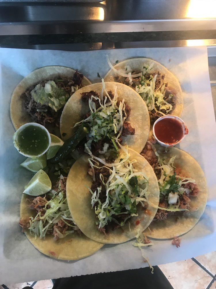 Tacos Navarro: 223 E Northern Ave, Pueblo, CO