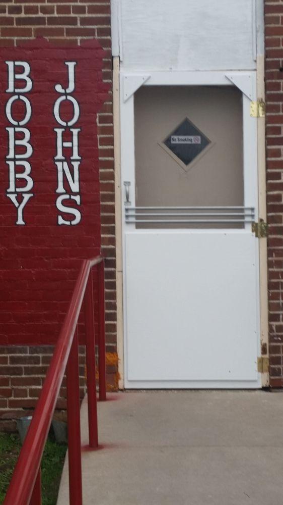 Bobby John's: 913 Front St, Cashton, WI