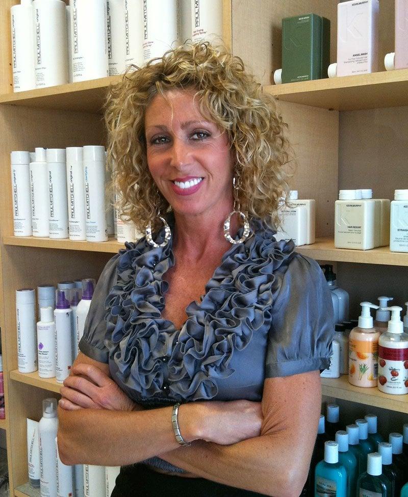 Nancy glick coiffeurs salons de coiffure 333 for Samantha oups au salon de coiffure