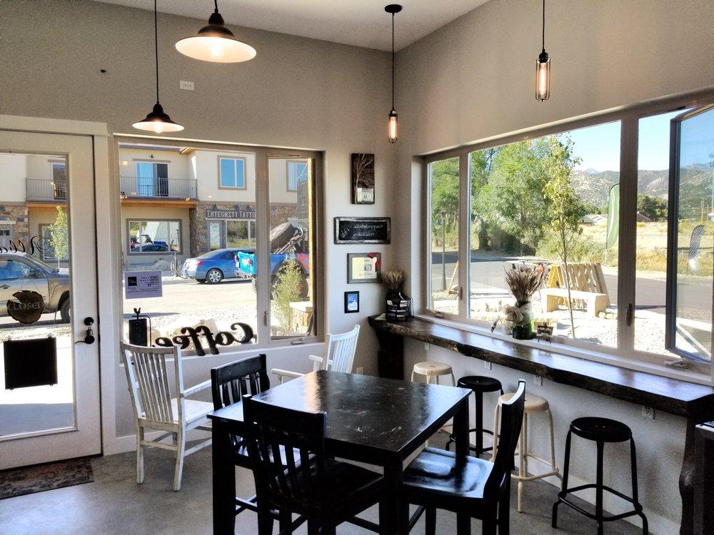 Alba Bakery & Coffee: 222 Summitview Ln, Poncha Springs, CO
